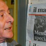 Valentino Parlato  fotografato  al Manifesto dopo la diffusione del video  di Giuliana Sgrena nel 2005 PERI/ANSA