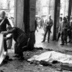 Piazza della Loggia a Brescia dopo l'attentato del 28 maggio 1974. ANSA