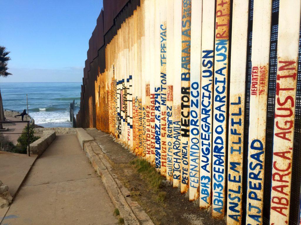 Muro a Tijuana in Messico foto di ©Ivan Grozny
