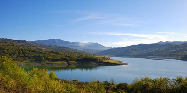 Salerno-Lago-diga-dell-Alento--800x44