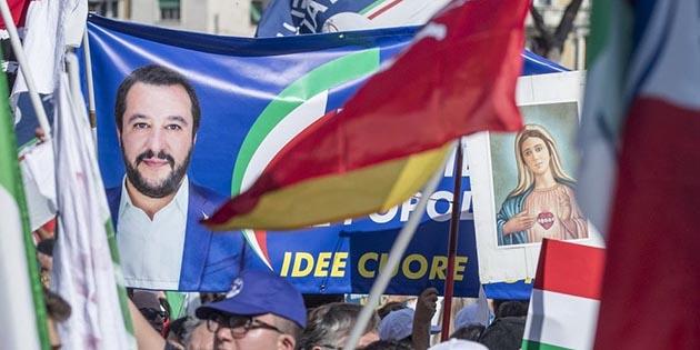 La beatificazione di San Salvini/Quando il populismo profana il sacro
